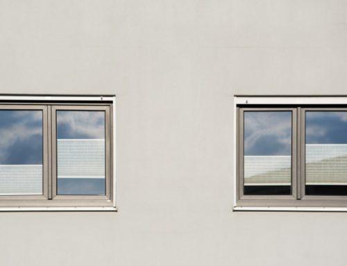 Fenster aus Aluminium streichen – ja, das geht!